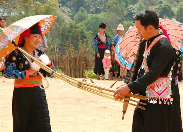 joining-festival-of-art-in-sapa